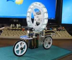 One-wheeled balancing robots
