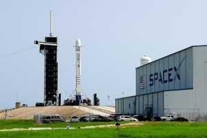 SpaceX to target space customers